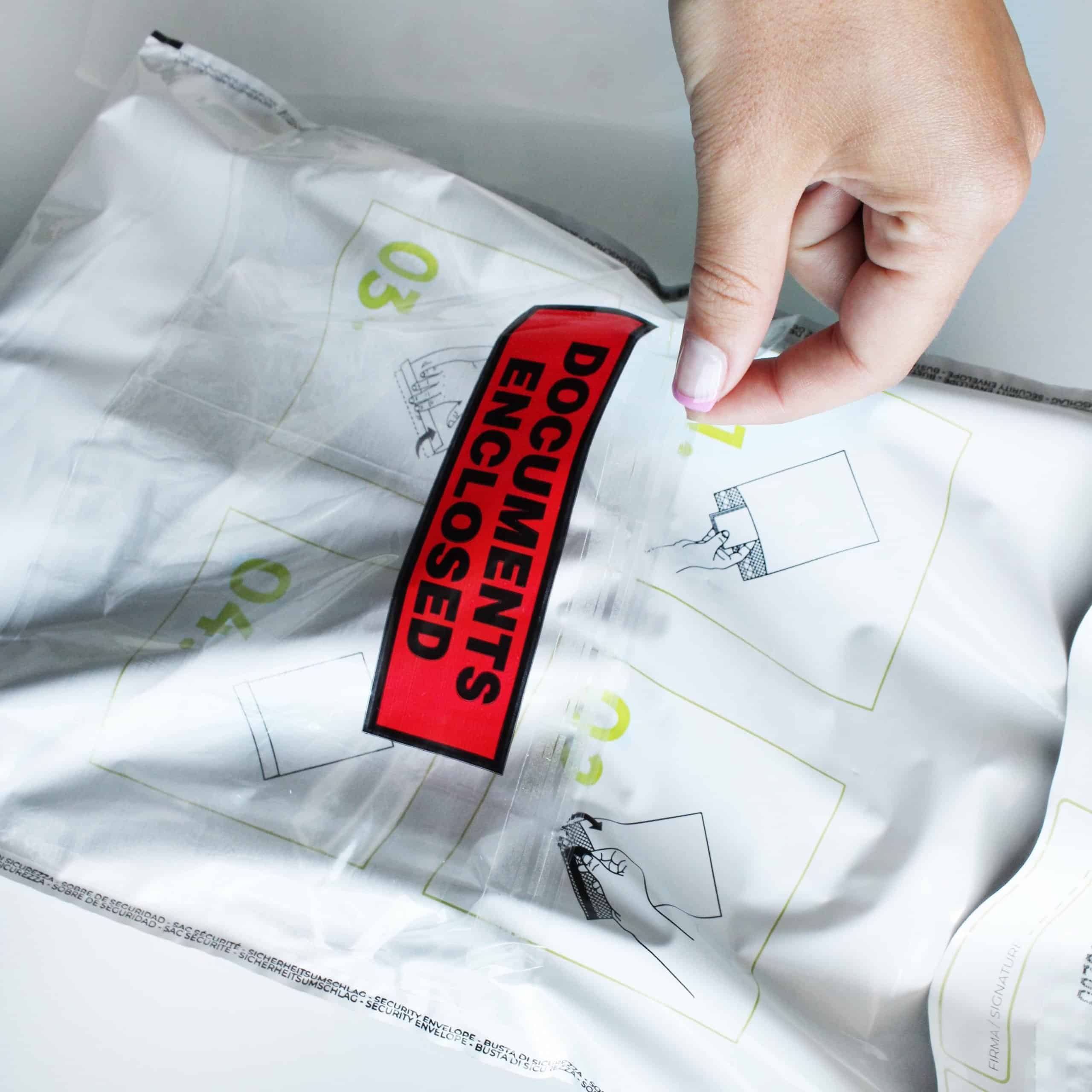 Busta trasparente porta documenti su busta trasporto